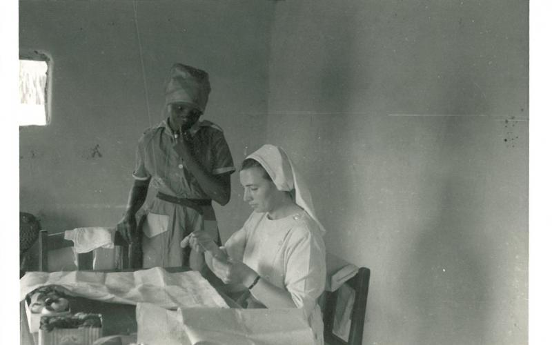 Taller de costura en Zimbabue (en torno a 1969)