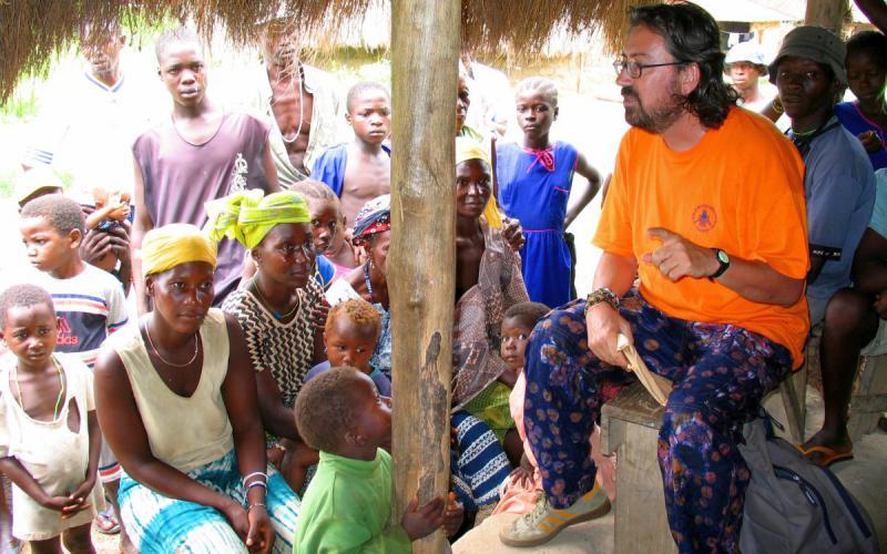 Chema Caballero ha pasado 20 años en Sierra Leona formando a líderes y en la rehabilitación de niños soldado