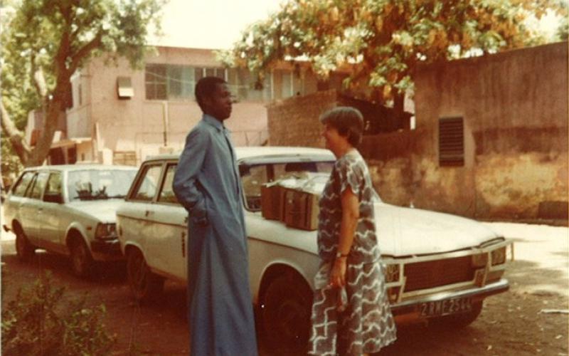 Adoración Bolívar junto con Paul Somboso, en Bamako, Mali (marzo de 1985)