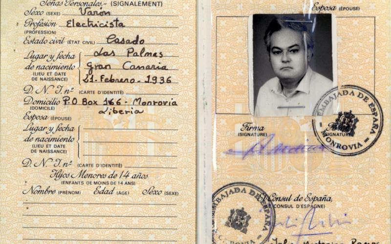 Pasaporte de Antonio Medina