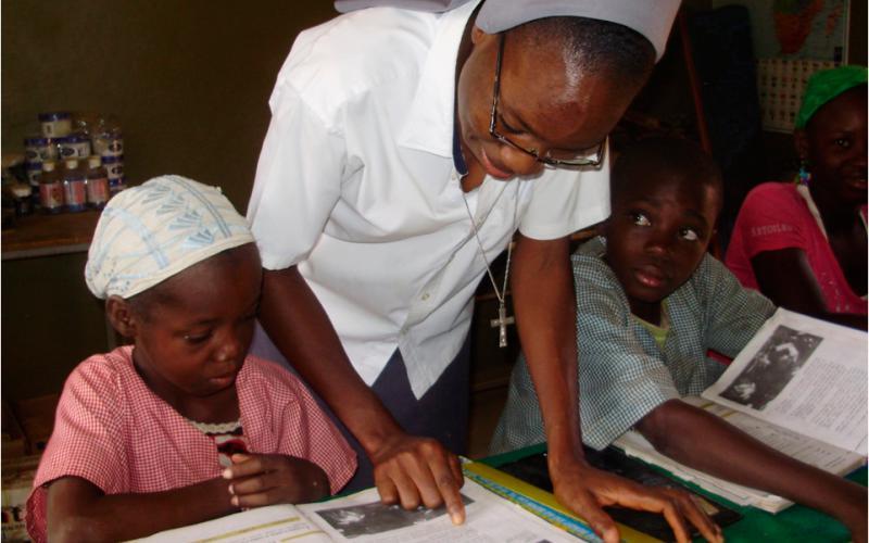 Creación de escuela en Touba (Senegal)