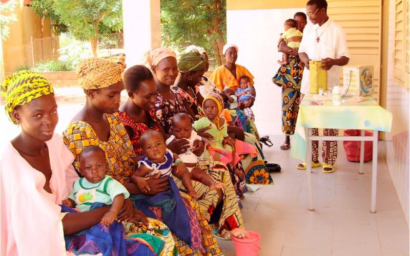 Programas de formación sobre alimentación infantil (Touba, Senegal)