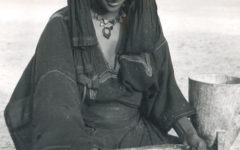 Mujer tuareg en los años 70 (imagen: Mundo Negro)