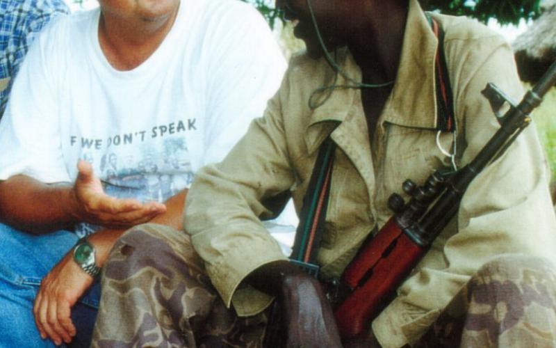 Reunión con miembros del Ejército de Resistencia del Señor en Uganda